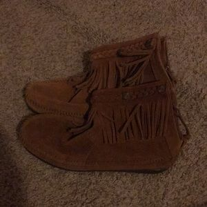 Minnetonka suede ankle booties